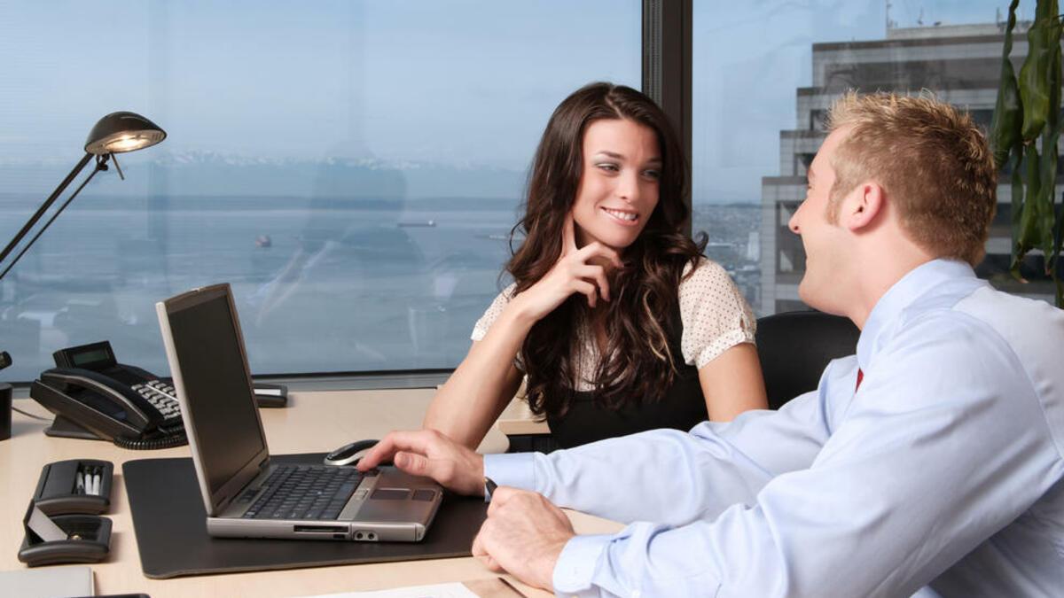Las 4 reglas para seducir en el trabajo